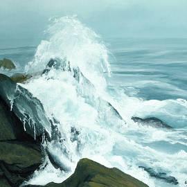 Surging Waves Break On Rocks by Lynn Hansen