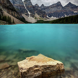 The Breathtaking view and blue water of Moraine Lake by Pierre Leclerc Photography