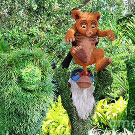 The Lion King Family Topiary by Diann Fisher