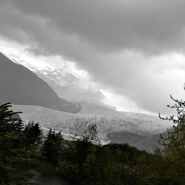 The Mendenhall Glacier in Black and white  by Victoria Beasley
