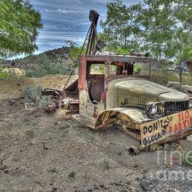 The Old Tow Truck that Could by Thomas Todd