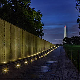 The Wall At Dawn by Rod Best