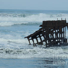The Wreck of The Peter Iredale by Beverly Guilliams