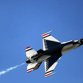 Thunderbird 6 Flies Overhead - Air Force Thunderbirds - Usaf F-16 by Jason Politte
