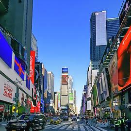 Times Square - Dec 2018a by S Paul Sahm