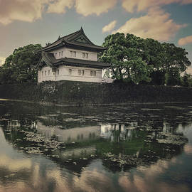 Tokyo Imperial palace by Masha Lince