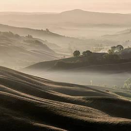 Tuscan sunrise by Tomasz Grzyb