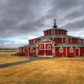 Twin Bridges Barn by Michael Morse