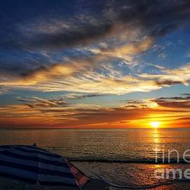 Umbrella Sunset by Dale Kohler