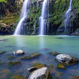 Upper Waikani Falls by Nehemiah Art