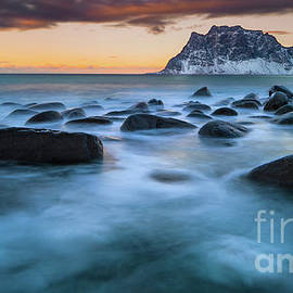 Uttakleiv Twilight by Inge Johnsson