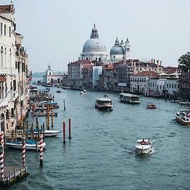 Venice, city of canals.  Italy by Lavonne Bosman