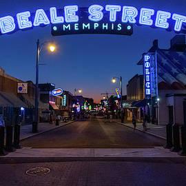 Walking in Memphis by Sean Sweeney
