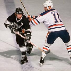 Wayne Gretzky & Mark Messier Battle It by B Bennett