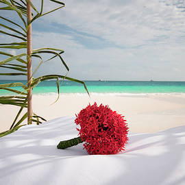 Wedding Bouquet. Maldivian Resort by Jenny Rainbow