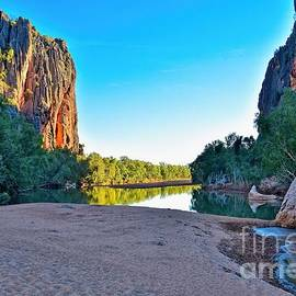 Windjana Gorge by Graham Buffinton