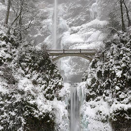Multnomah Falls covered in Winter Snow and Ice by Tom Schwabel