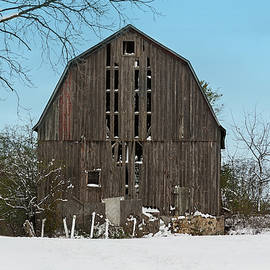 Wisconsin Barn by Kim Hojnacki