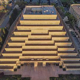 Ziggurat by Jonathan Hansen