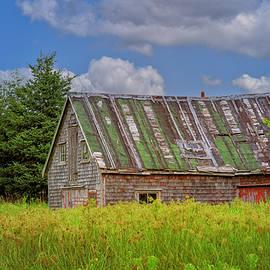 Abandoned House in Feltzen South by Ken Morris