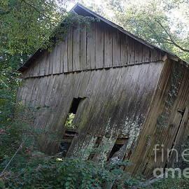 Barn in TN by Dwight Cook