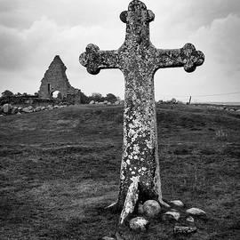 Kappelludden Medieval Cross by Mary Lee Dereske