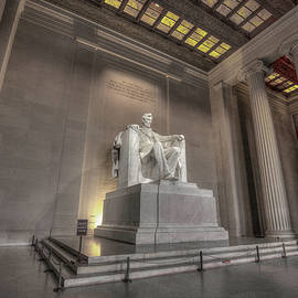 Lincoln Memorial, Washington DC by Mike Deutsch