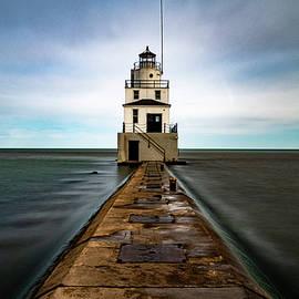 Manitowoc Breakwater Lighthouse by Randy Scherkenbach