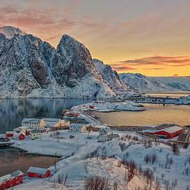 Norwegian morning by Jan Sieminski