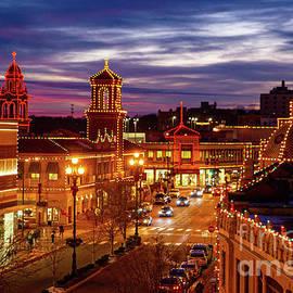 Plaza Lights by Lynn Sprowl
