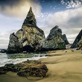 Praia da Ursa by Michael Chapman