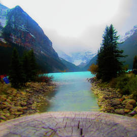 The Grand Lake Louise by Earl Rina