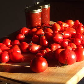 2010 Tomatoes by Barbara Keith
