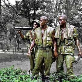 Vietnam Veterans Memorial by Matt Richardson