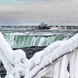Niagara Falls Canada by Nick Mares