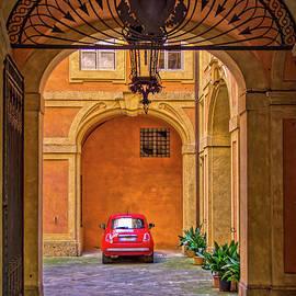 A Courtyard in Siena by Viv Thompson