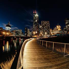 A fisheye view of the south riverwalk in Chicago by Sven Brogren