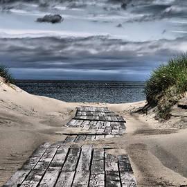 A path to the Beach by Jouko Lehto