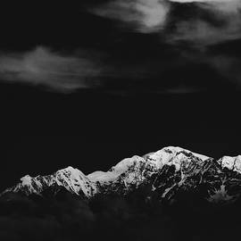 A peek into the Himalayas by Shubham Sahay