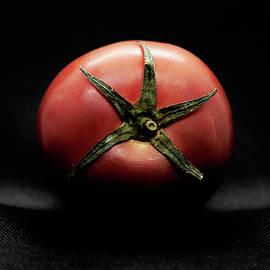 A tomato in close-up.