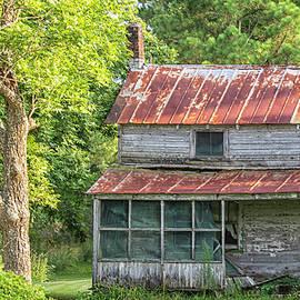 Abandoned House Near Bayboro North Carolina by Bob Decker
