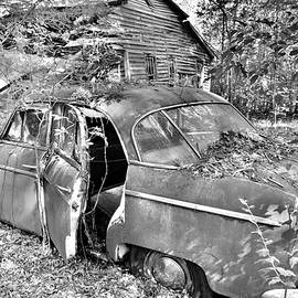 Abandoned Willy's Aero Black And White by Lisa Wooten