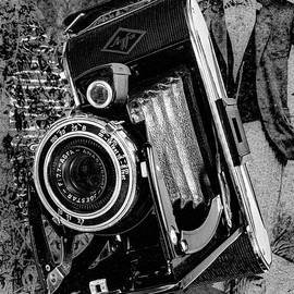 Agfa Pb20-billy Record- Black And White by Anthony Ellis