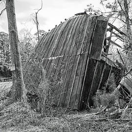 Almost Gone - Extreme Rural Decay in Pamlico County by Bob Decker