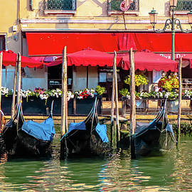 Along the Grand Canal by Andrew Cottrill