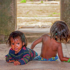 Angkor Wat Children by Rob Hemphill