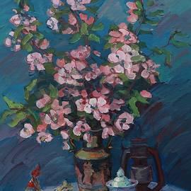 Apple tree and porcelain by Anna Shurakova