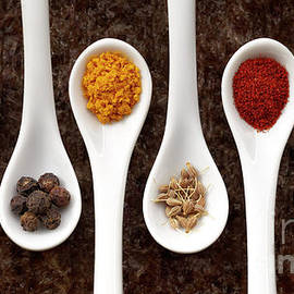 Assorted spices by Facto Foto