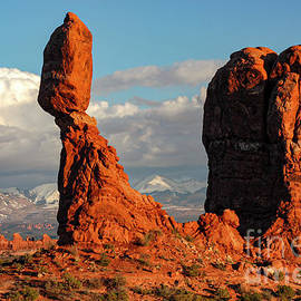 Balanced Rock and Monolith by Bob Phillips
