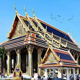 Bangkok Temple by Kerry LeBoutillier